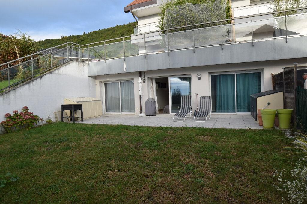 Appartement à louer 3 73m2 à Divonne-les-Bains vignette-1