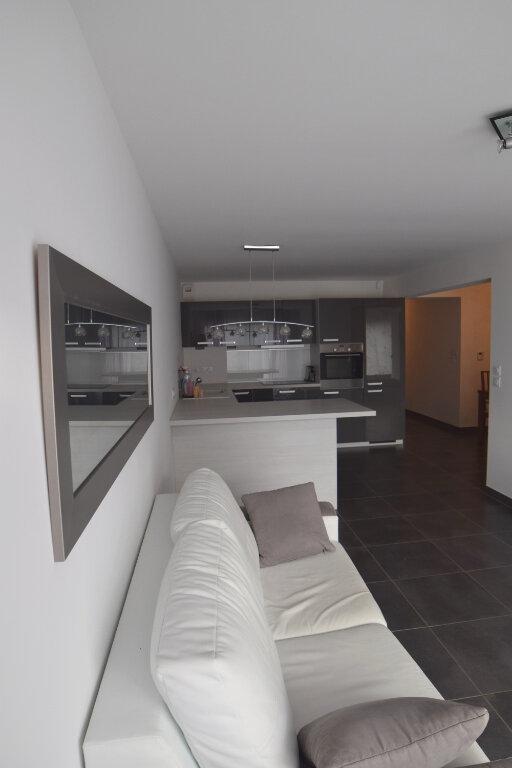 Appartement à louer 3 73m2 à Divonne-les-Bains vignette-2