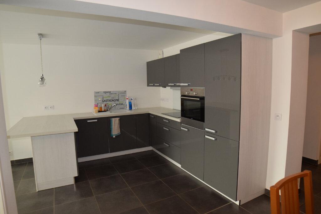 Appartement à louer 3 73m2 à Divonne-les-Bains vignette-3
