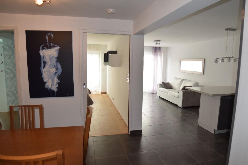 Appartement à louer 3 73m2 à Divonne-les-Bains vignette-4