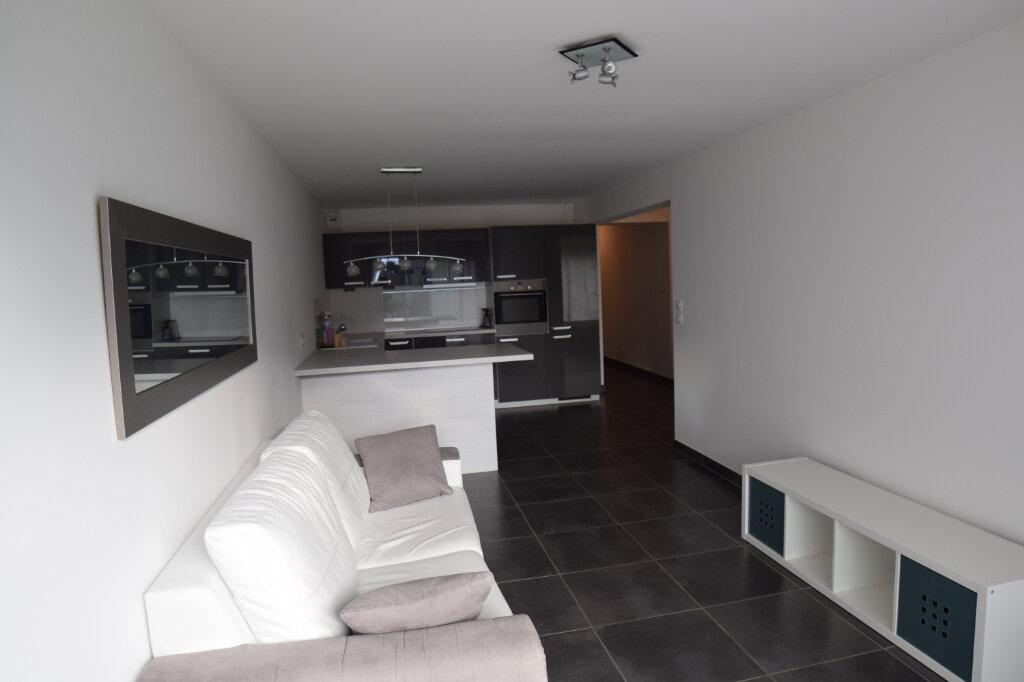 Appartement à louer 3 73m2 à Divonne-les-Bains vignette-11