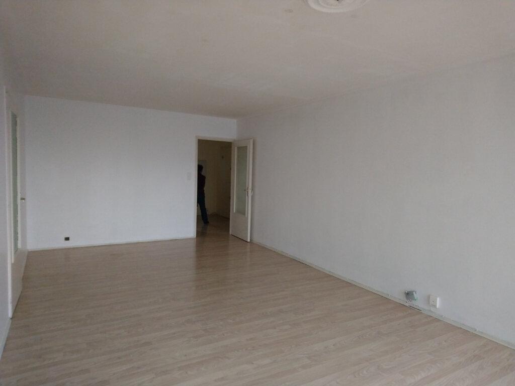 Appartement à vendre 3 74.55m2 à Gex vignette-3