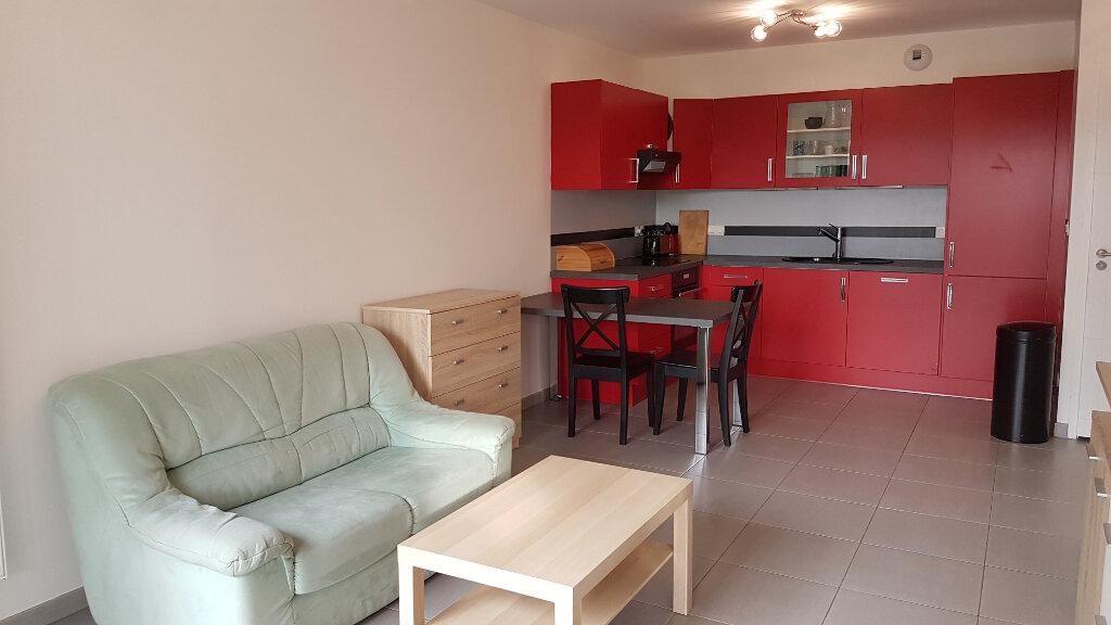 Appartement à louer 2 43.05m2 à Échenevex vignette-3