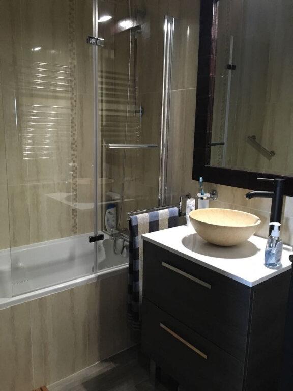 Appartement à louer 2 47.28m2 à Saint-Genis-Pouilly vignette-2
