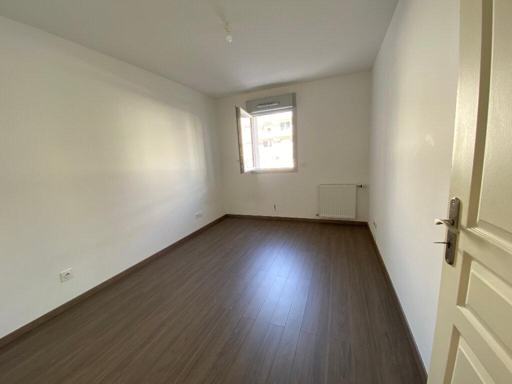Appartement à louer 3 66.75m2 à Gex vignette-5