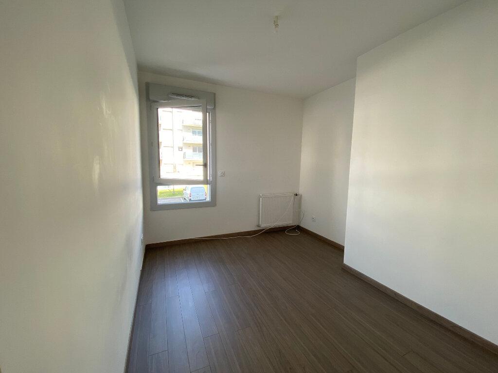 Appartement à louer 3 66.75m2 à Gex vignette-6