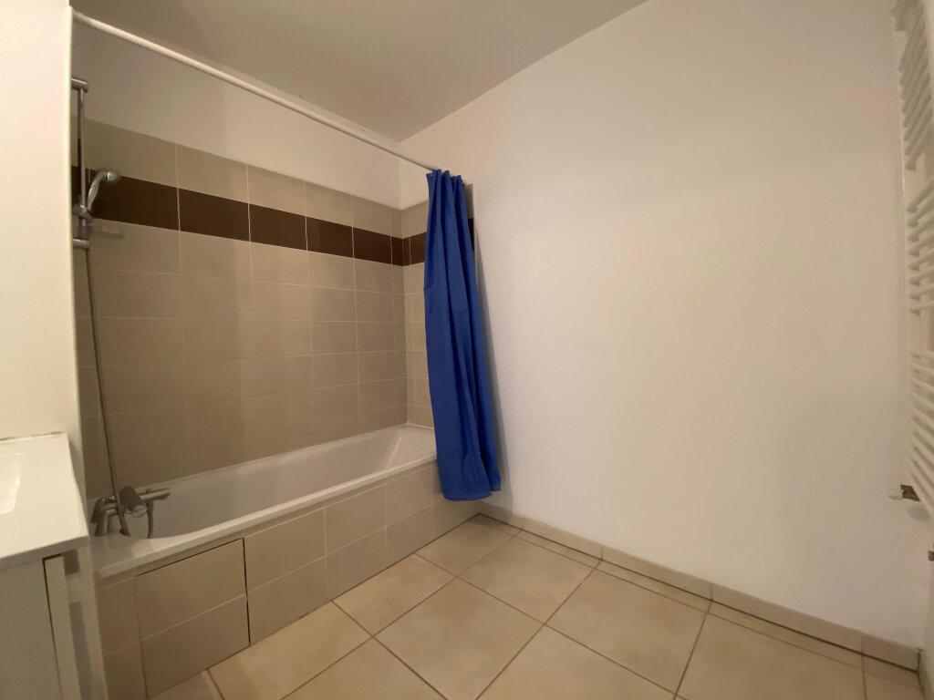 Appartement à louer 3 66.75m2 à Gex vignette-8