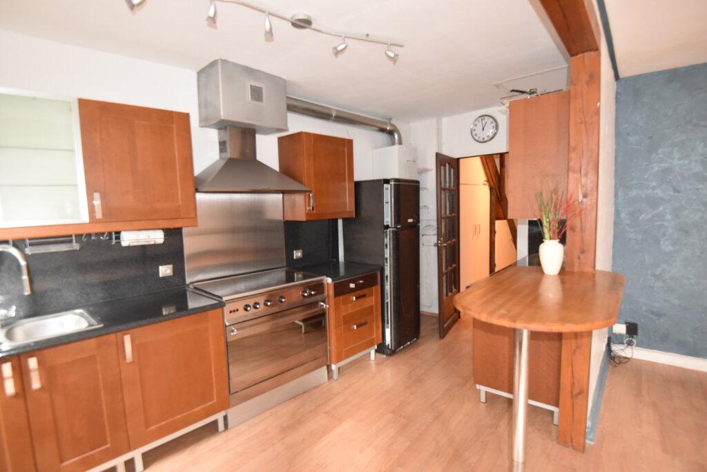 Appartement à louer 4 76m2 à Metz vignette-1