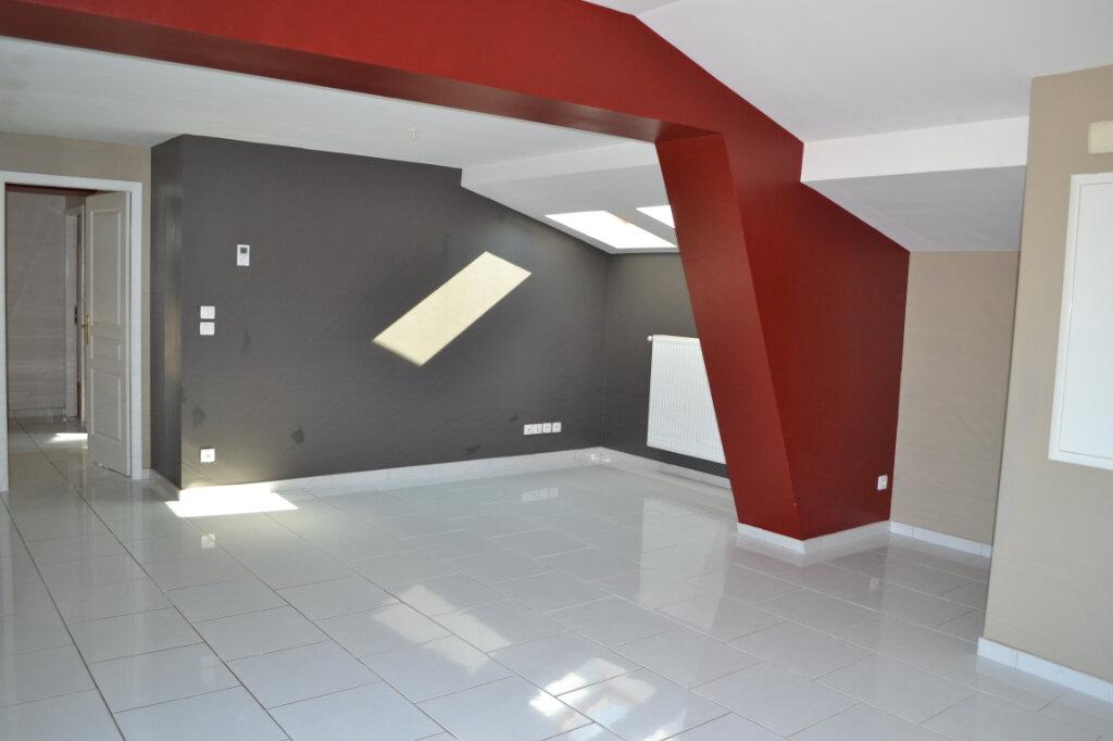 Appartement à louer 4 80m2 à Talange vignette-1