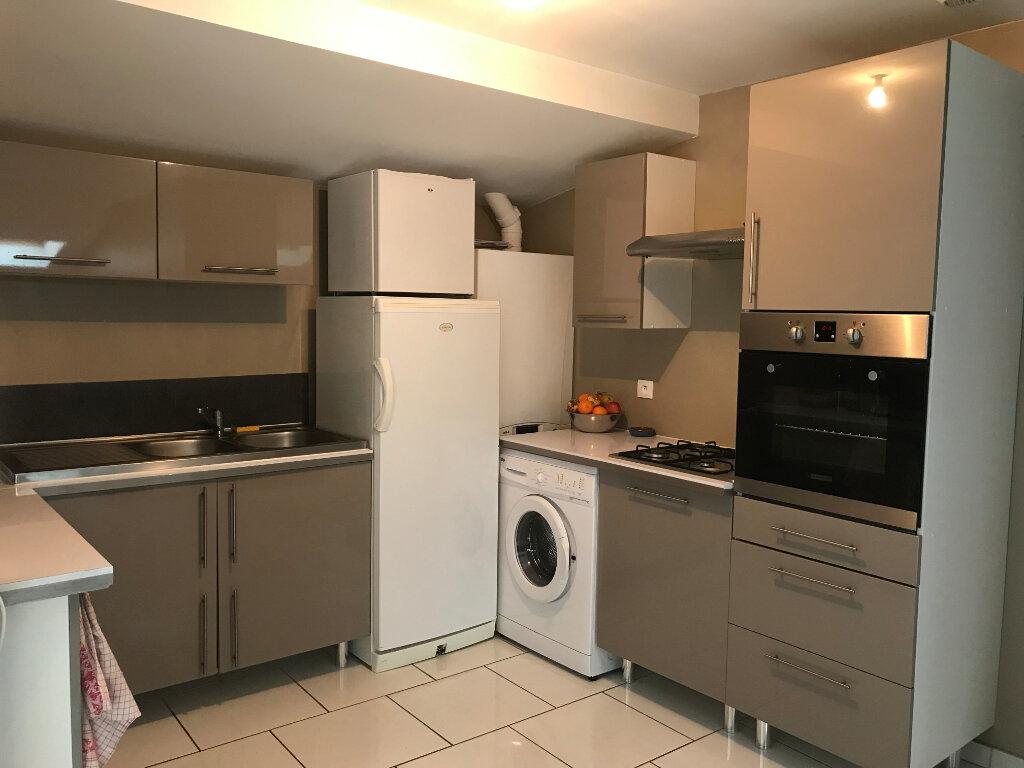 Appartement à louer 4 80m2 à Talange vignette-6