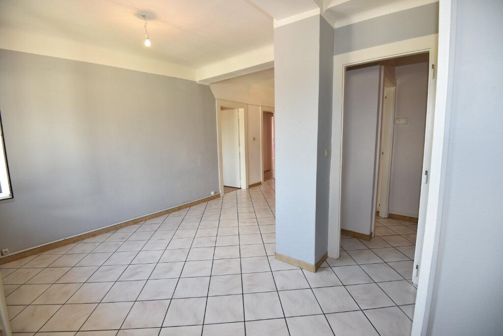Appartement à louer 3 70m2 à Florange vignette-2