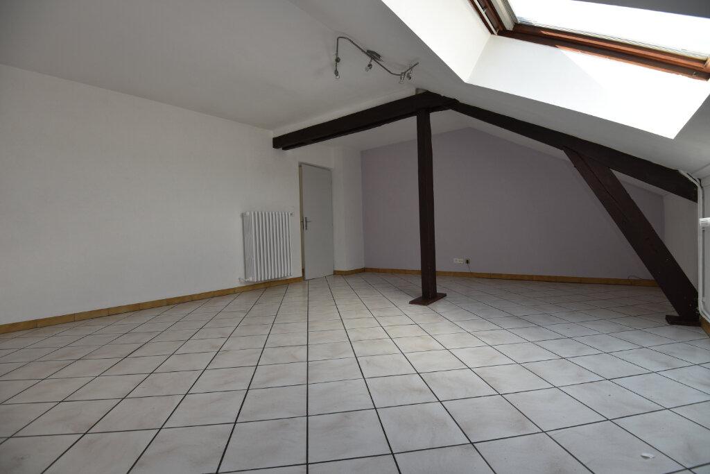 Appartement à louer 3 100m2 à Florange vignette-1