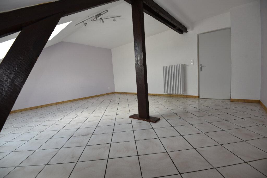 Appartement à louer 3 100m2 à Florange vignette-2