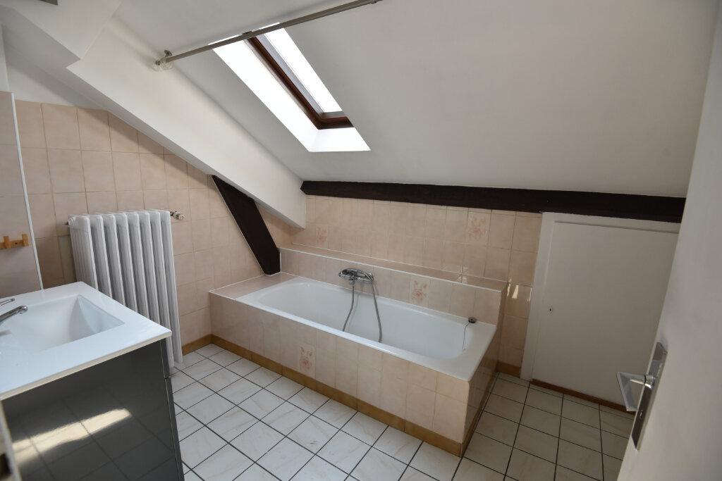 Appartement à louer 3 100m2 à Florange vignette-4