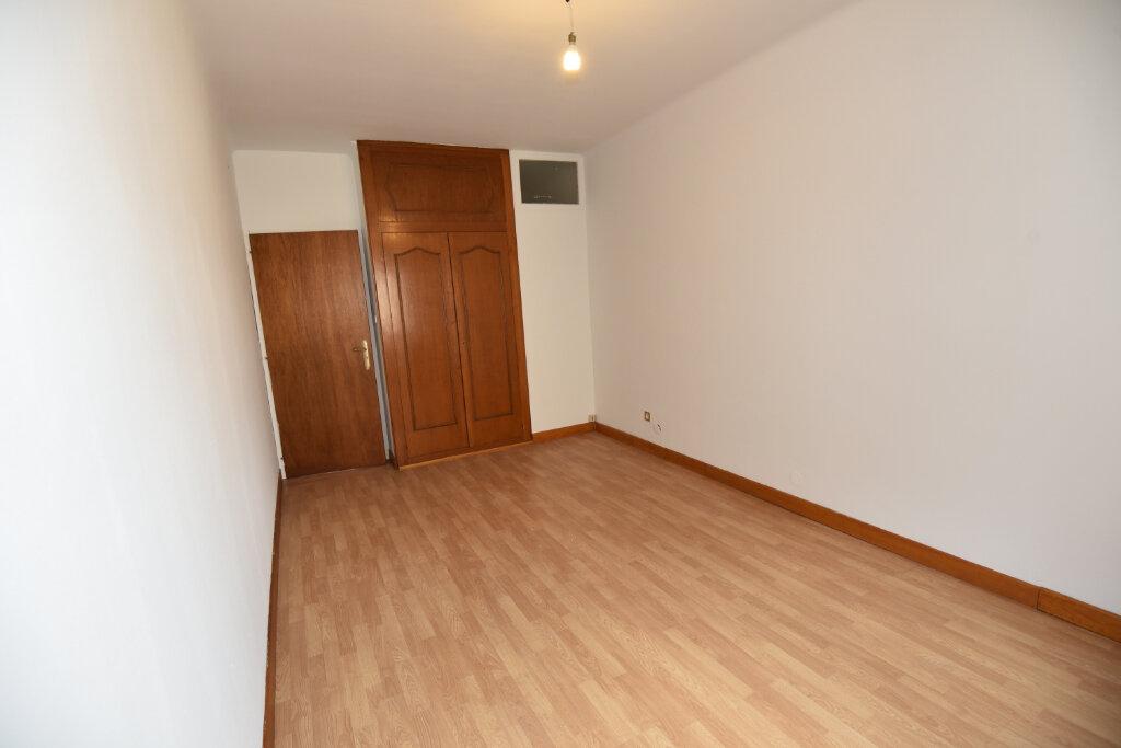 Appartement à louer 3 70m2 à Florange vignette-7