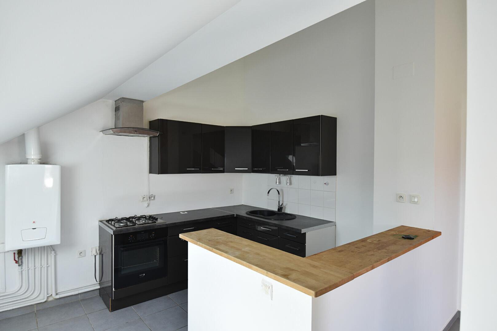Appartement à louer 3 78.66m2 à Maizières-lès-Metz vignette-1