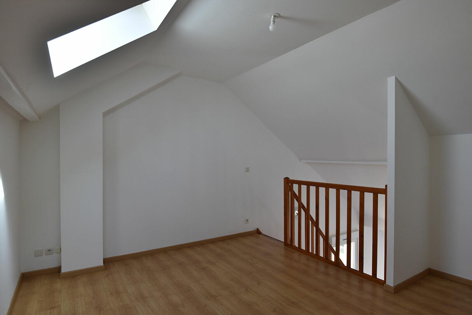Appartement à louer 3 78.66m2 à Maizières-lès-Metz vignette-2