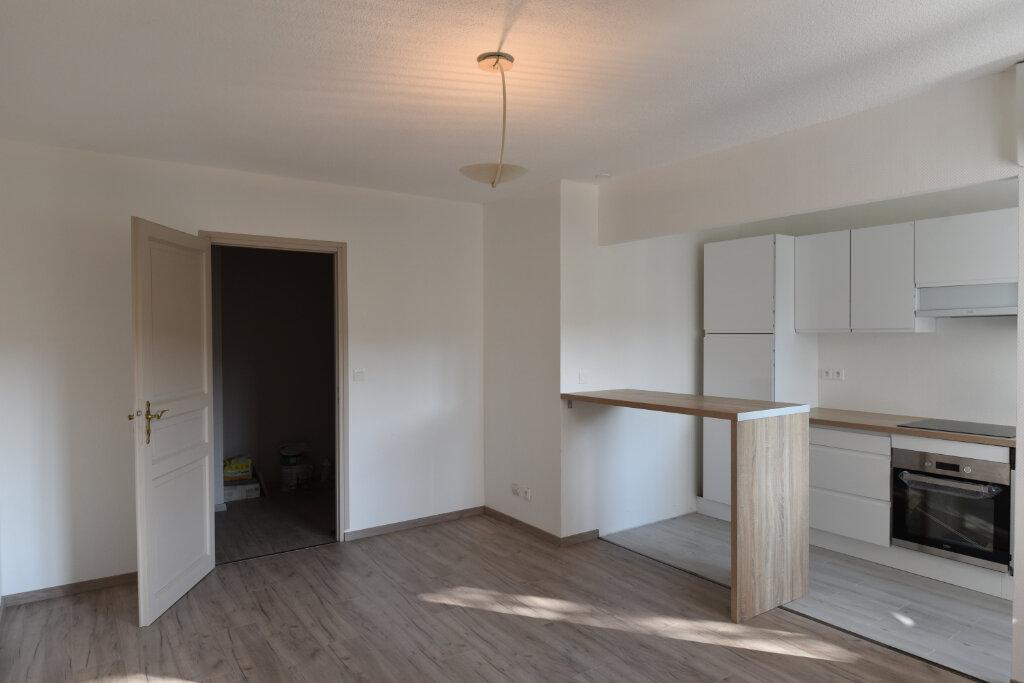 Appartement à louer 3 60.09m2 à Maizières-lès-Metz vignette-2
