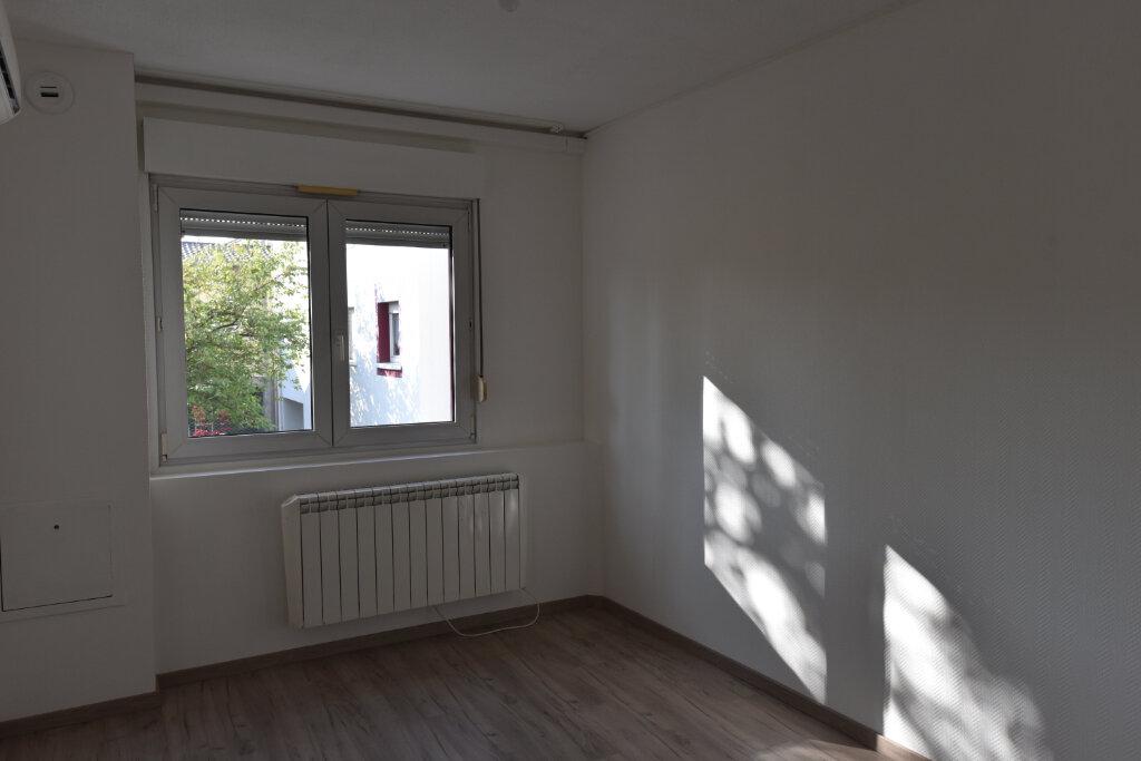 Appartement à louer 3 60.09m2 à Maizières-lès-Metz vignette-7