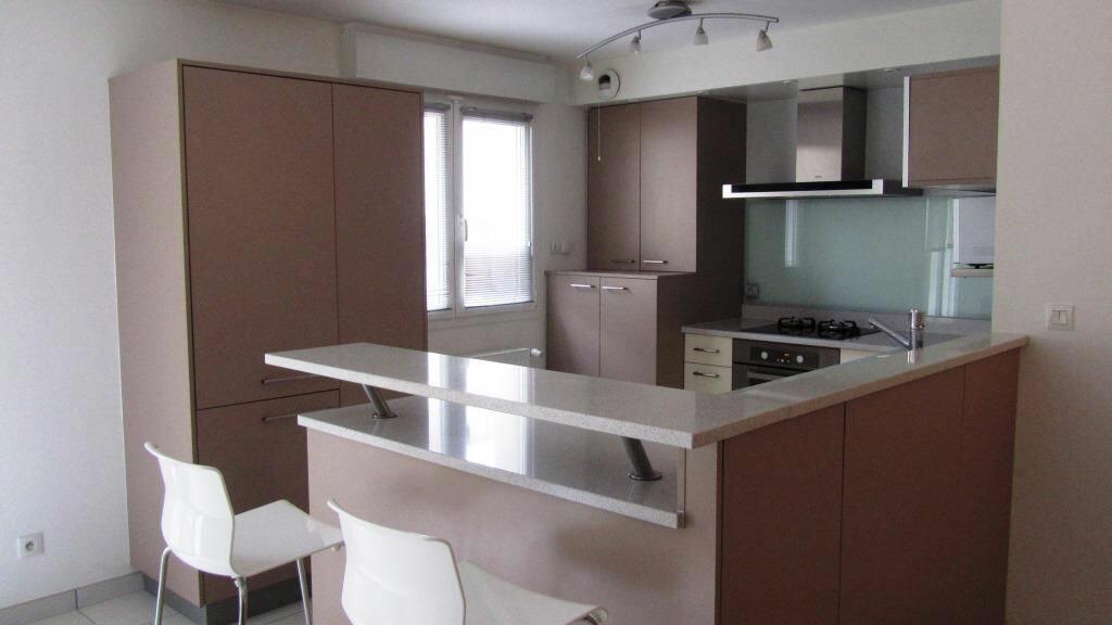Appartement à louer 6 147.1m2 à Guénange vignette-4