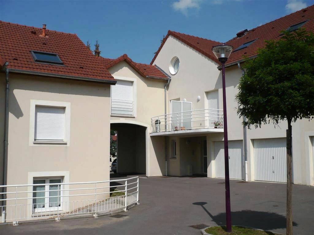 Appartement à louer 6 147.1m2 à Guénange vignette-11