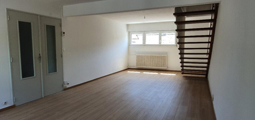 Appartement à louer 5 94.44m2 à Thionville vignette-13