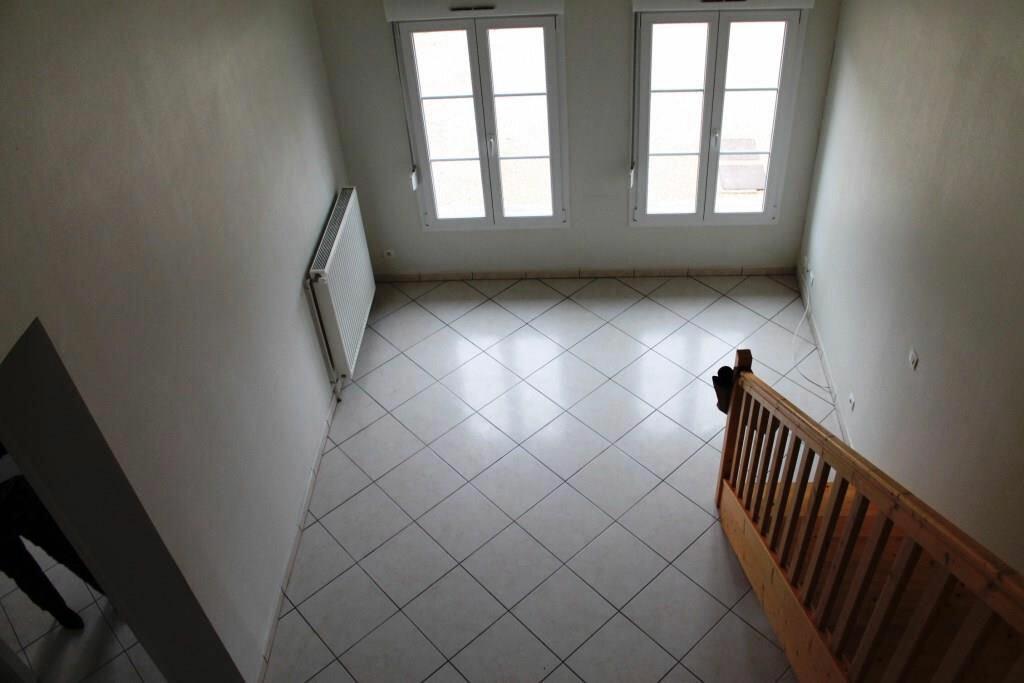 Appartement à louer 4 63m2 à Amnéville vignette-3