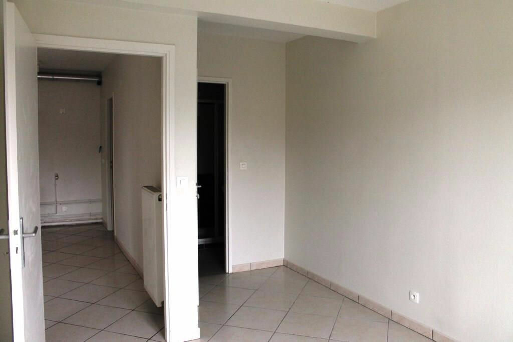 Appartement à louer 4 63m2 à Amnéville vignette-8