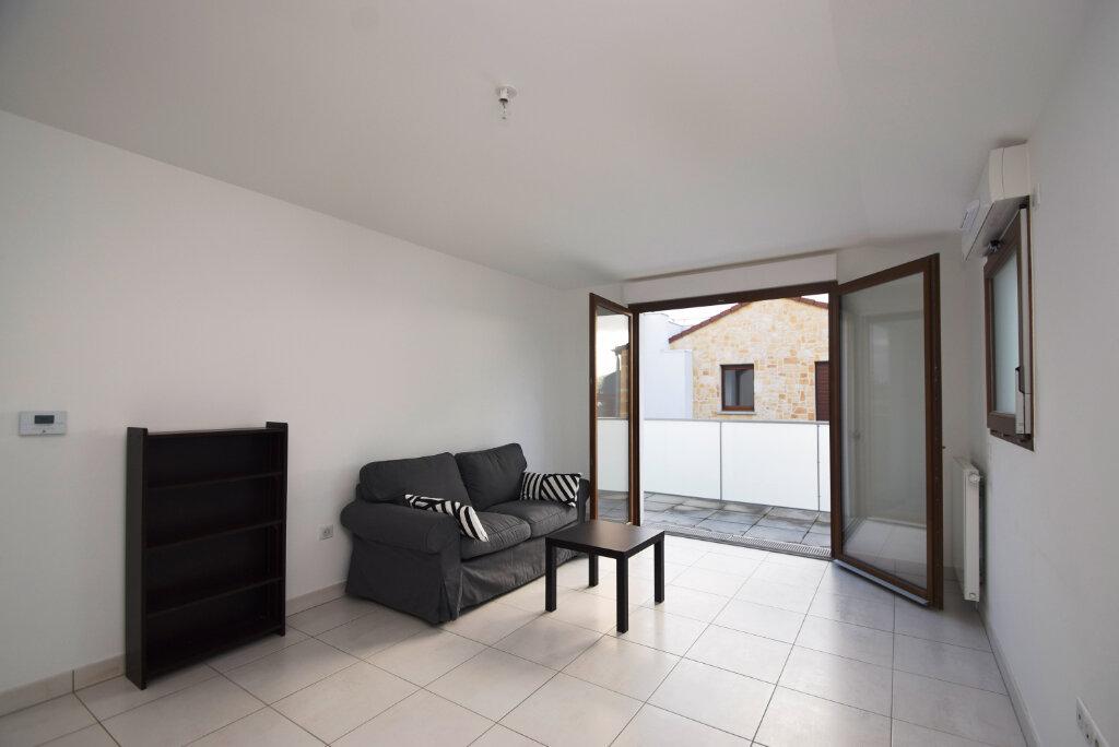 Appartement à louer 2 49.1m2 à Villejuif vignette-2