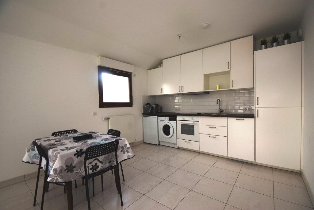 Appartement à louer 2 49.1m2 à Villejuif vignette-3