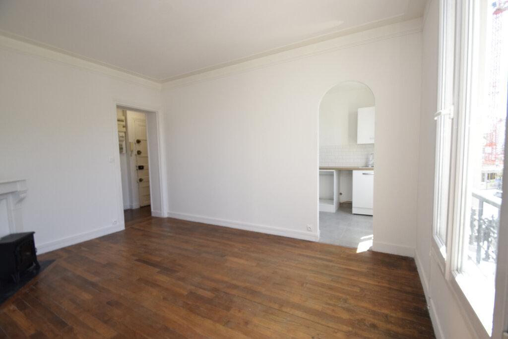 Appartement à louer 2 38.02m2 à Issy-les-Moulineaux vignette-2