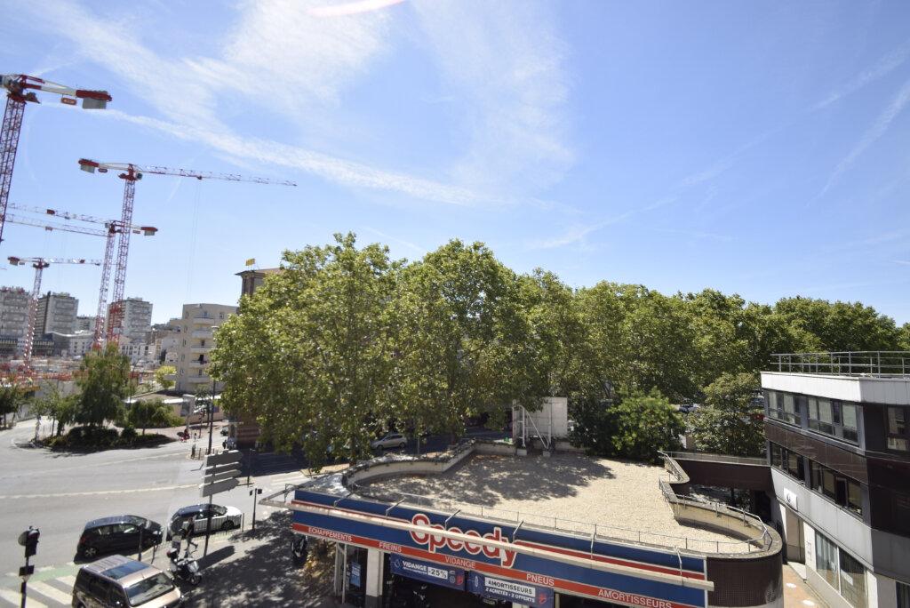 Appartement à louer 2 38.02m2 à Issy-les-Moulineaux vignette-4