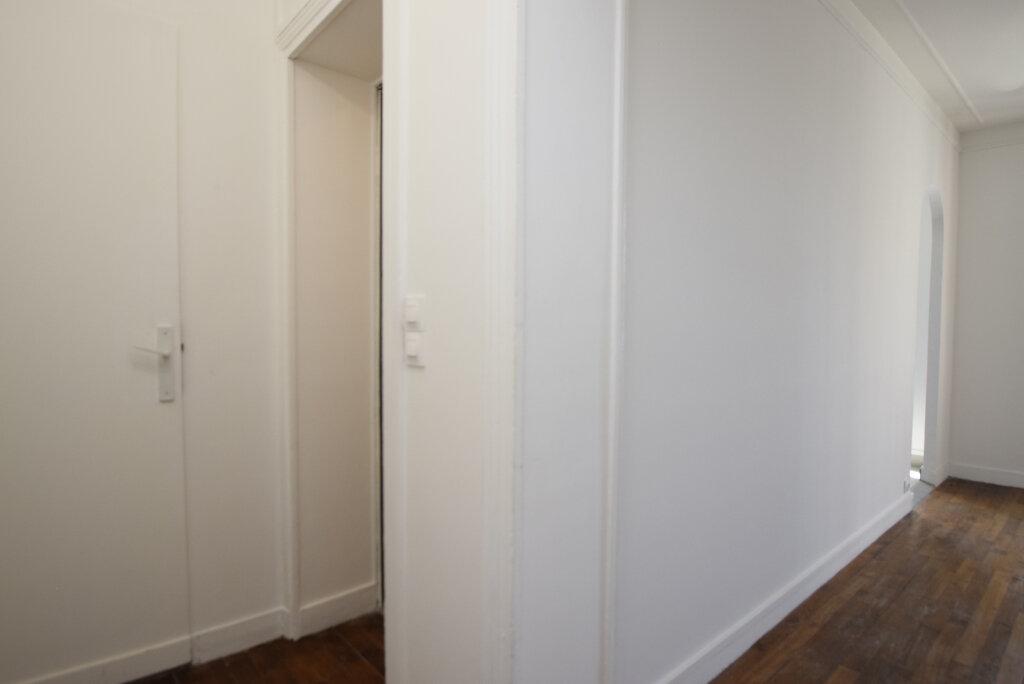 Appartement à louer 2 38.02m2 à Issy-les-Moulineaux vignette-5