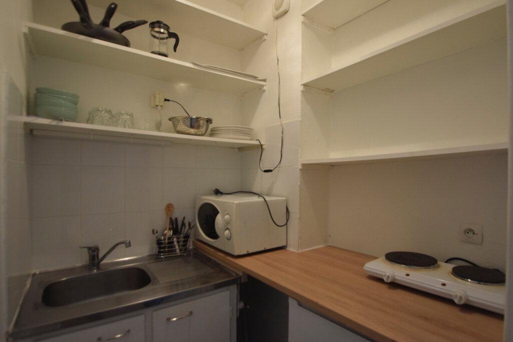 Appartement à louer 1 22.2m2 à Paris 11 vignette-6