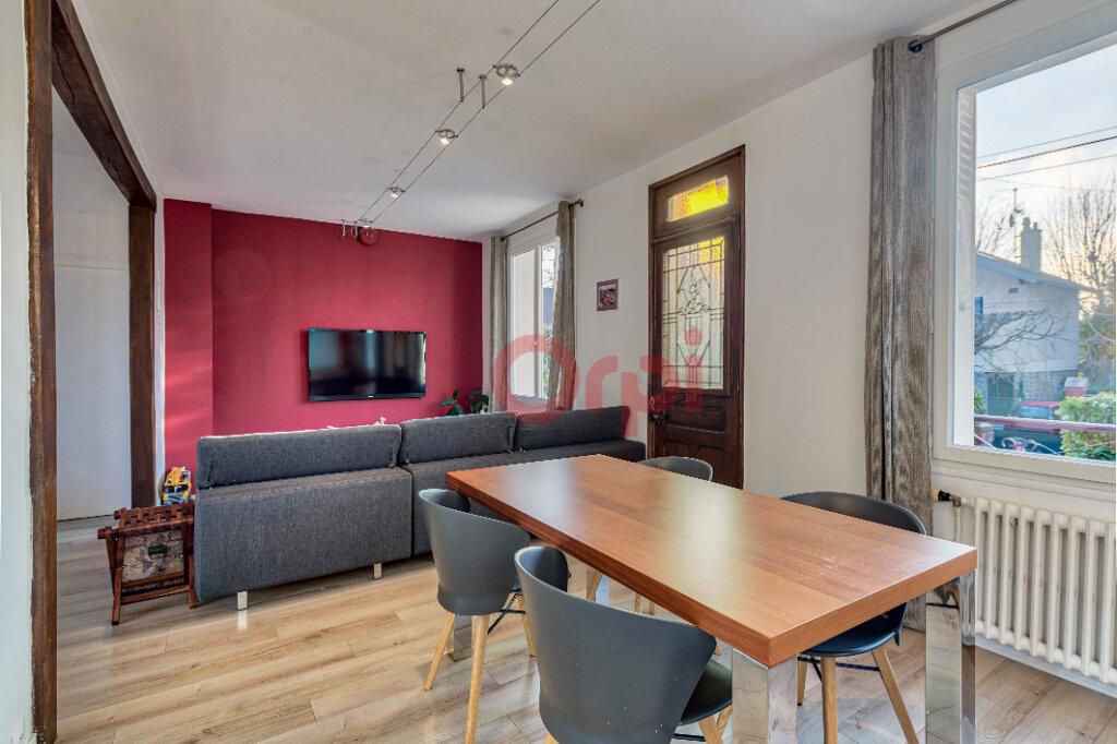 Maison à vendre 5 135m2 à Gournay-sur-Marne vignette-5