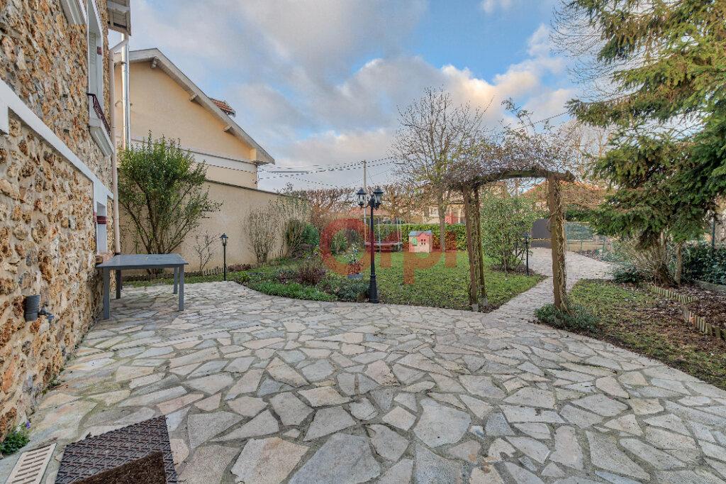 Maison à vendre 5 135m2 à Gournay-sur-Marne vignette-17