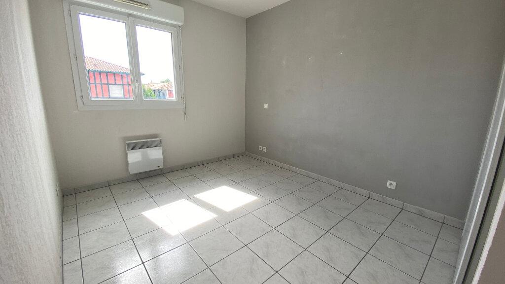 Appartement à louer 3 59.64m2 à Saint-Vincent-de-Tyrosse vignette-4