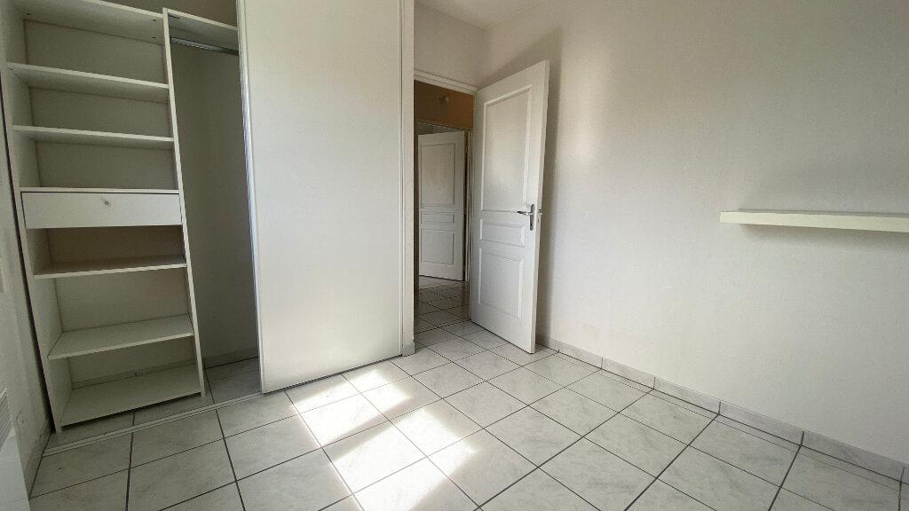 Appartement à louer 3 59.64m2 à Saint-Vincent-de-Tyrosse vignette-8