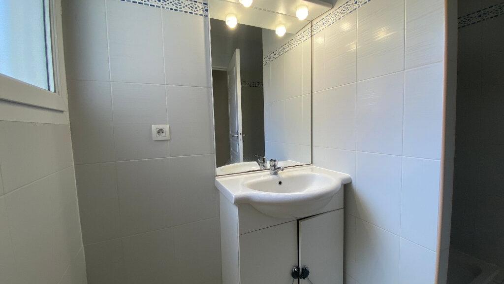 Appartement à louer 3 59.64m2 à Saint-Vincent-de-Tyrosse vignette-9