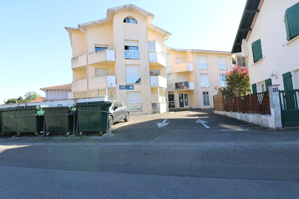 Appartement à louer 2 47.34m2 à Saint-Vincent-de-Tyrosse vignette-1