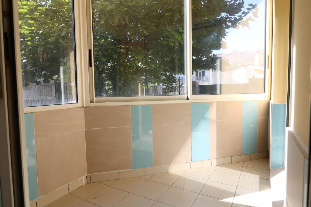 Appartement à louer 2 47.34m2 à Saint-Vincent-de-Tyrosse vignette-4