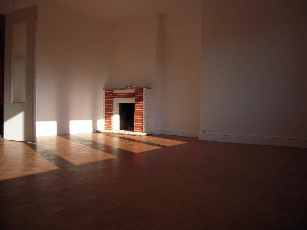 Appartement à louer 3 68m2 à Arras vignette-3