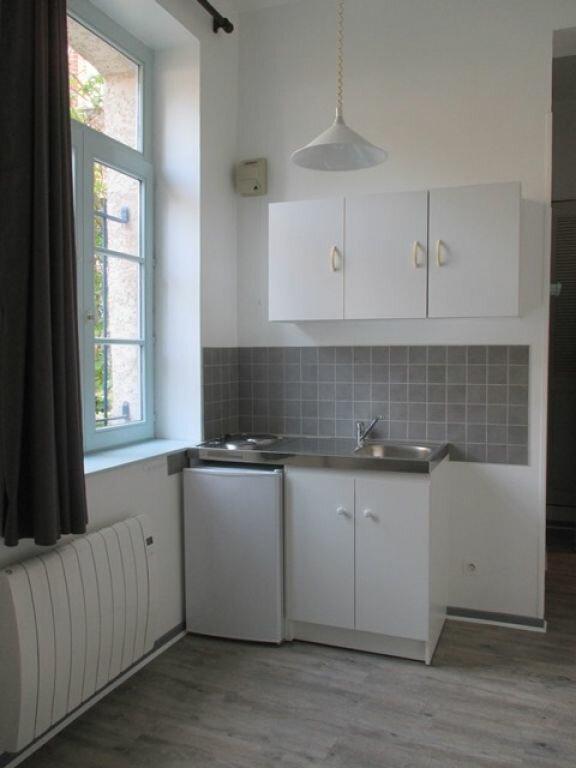 Appartement à louer 1 22m2 à Arras vignette-1