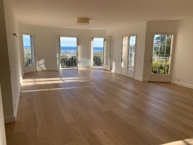 Maison à vendre 4 116.37m2 à Saint-Laurent-du-Var vignette-1
