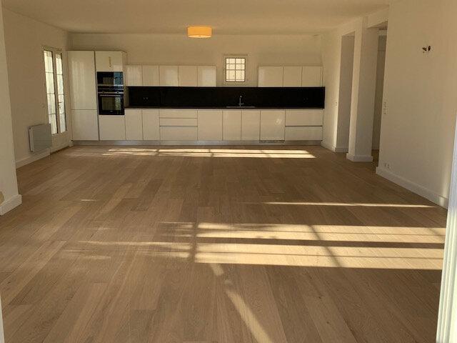 Maison à vendre 4 116.37m2 à Saint-Laurent-du-Var vignette-3