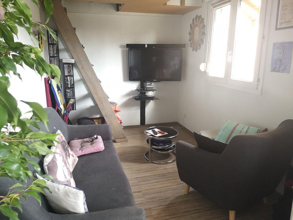 Appartement à vendre 4 89.8m2 à Saint-Laurent-du-Var vignette-2