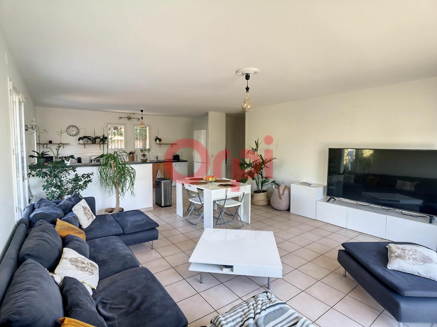 Maison à louer 4 107m2 à Cagnes-sur-Mer vignette-3