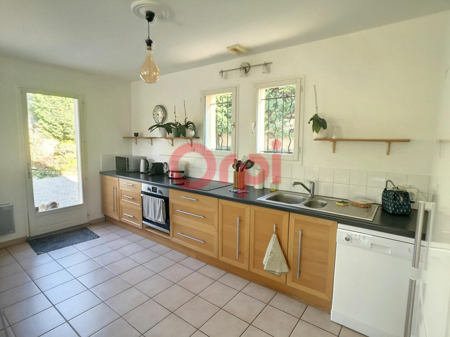 Maison à louer 4 107m2 à Cagnes-sur-Mer vignette-7