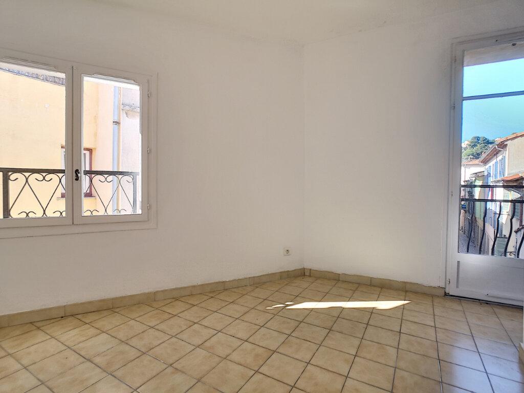 Maison à louer 4 62.73m2 à Saint-Laurent-du-Var vignette-1
