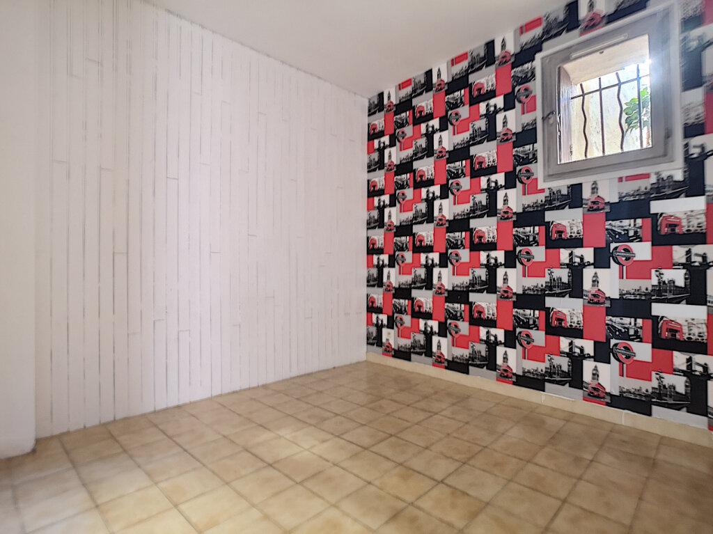 Maison à louer 4 62.73m2 à Saint-Laurent-du-Var vignette-5